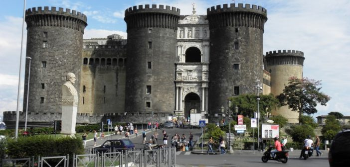 SEE NAPLES AND THEN LIVE …